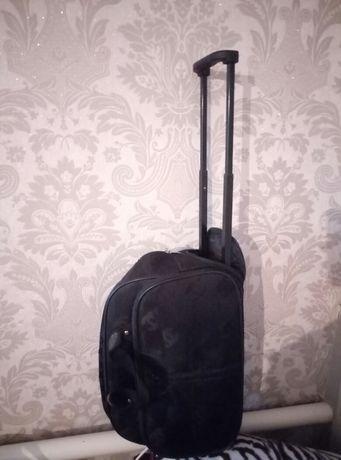 дорожная сумка чемодан на колесах средняя маленькая