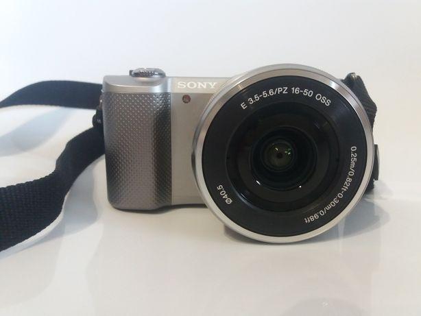 Sony 5000 z obiektywem