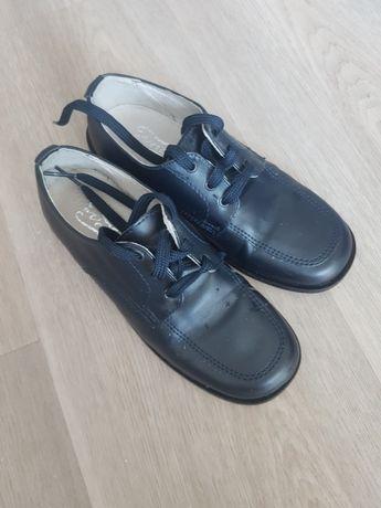 Красивые туфли в школу 32р