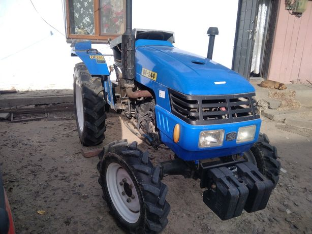 Трактор Донг-фен 244