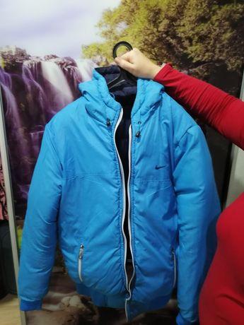 Продам куртку зимнюю NIKE