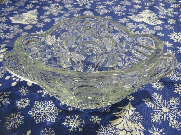 Хрустальная ваза конфетница