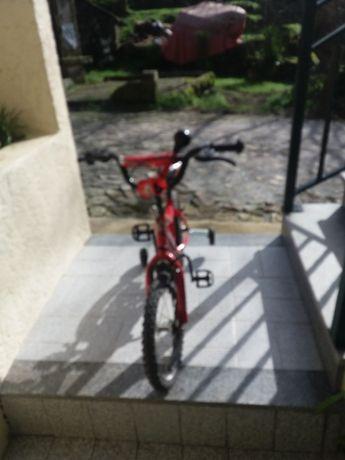 Bicicleta ideal para crianças até aos 8anos