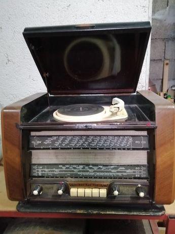 Radio Vintage com Gira-Disco