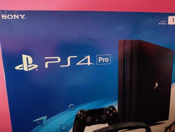 PS4 PRO 2TB  Kierownica  37 gier Zestaw