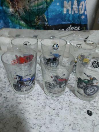 6 copos com modelos de moto