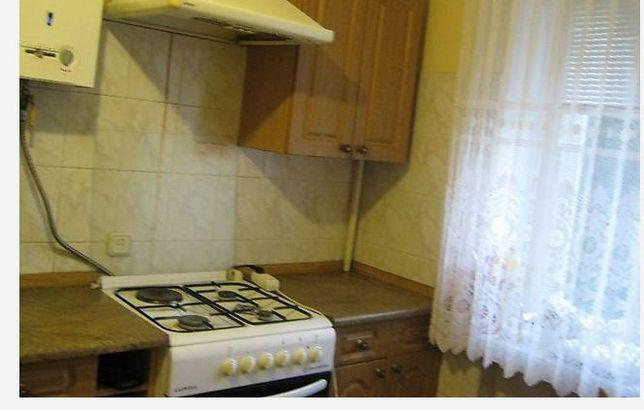 Здається 2 кімнати в 3 кімнатній квартирі по вул. Хотовицького 4000 гр