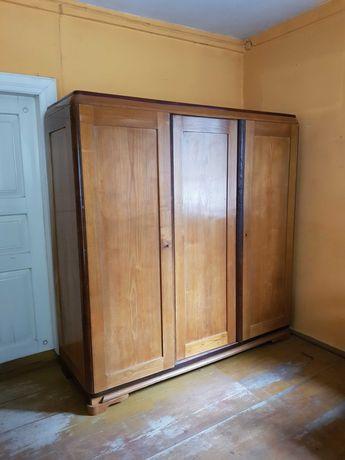 Dębowa szafa trzydrzwiowa poszukiwana stara prosta drewniana antyk