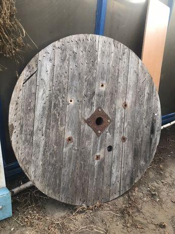 Okrag drewniany po szpuli na kable