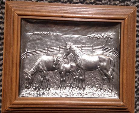 Płaskorzeźba - Konie
