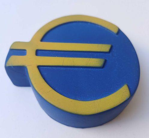 """Borracha """"EURO"""" de publicidade ao grupo Top Atlântico"""