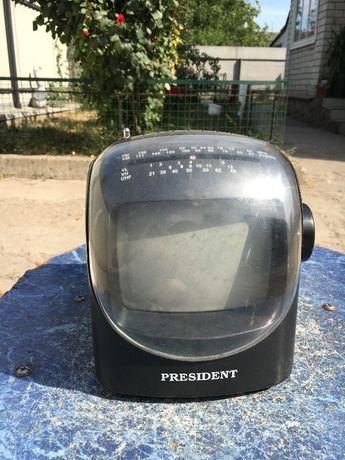Продам маленький цветной телевизор переносной автомобильный