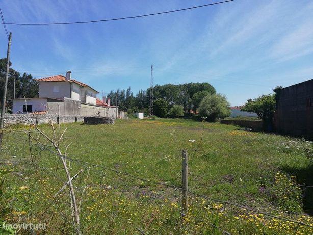 Terreno para construção de duas moradias geminadas em Aveiro