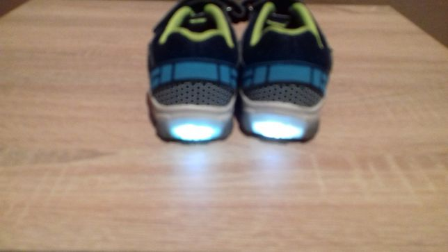 Świecące buty sportowe rozm. 26 adidasy
