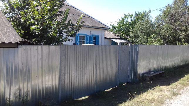 Будинок в с. Лутава Козелецького району Чернігівської області