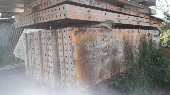 Pilares metalicos de confragem