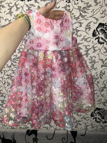 Красивое платье на девочку 9-12мес