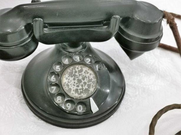 Telefone antigo em baquelite com ficha original