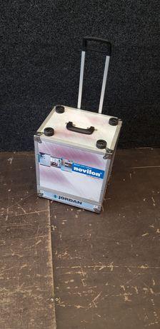 Skrzynia transportowa na kółkach, walizka