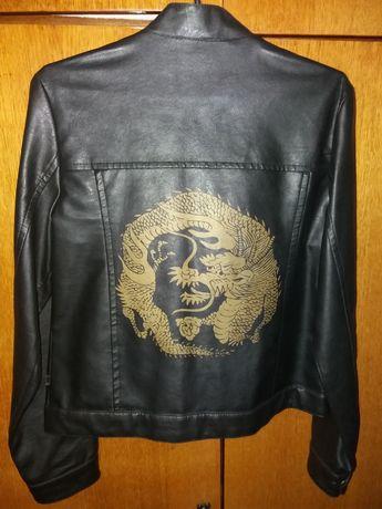 Куртка из кожзама.