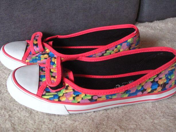 śliczne buty trampki tenisówki dziewczęce rozmiar 35 wewnątrz 22 cm