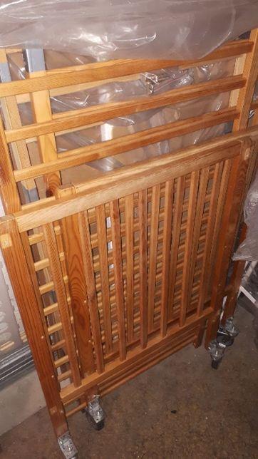 Sprzedam drewniane łóżeczko 120x60 dla dziecka (kółka w opcji)