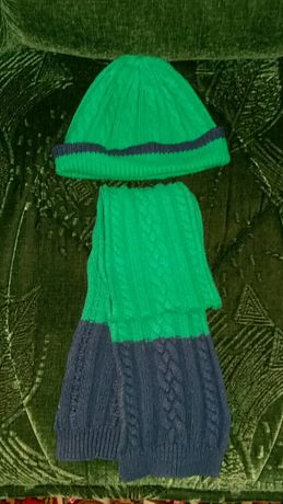 Продам детский набор шапочка+шарфик.