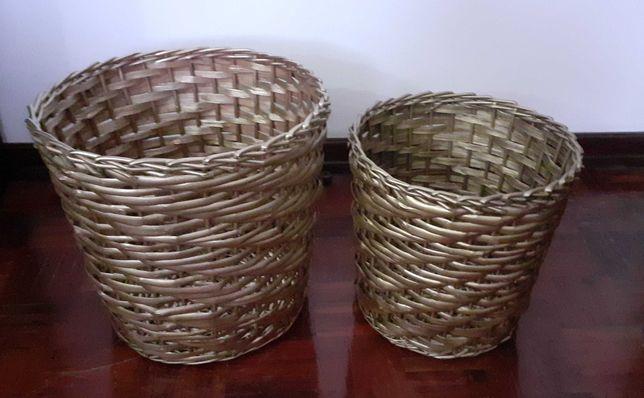 Dois vasos novos para decoração