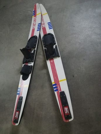 Skis desporto água