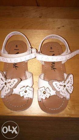 Sandały next 8