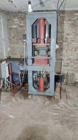 Станок для производства лего кирпича 60 тонн