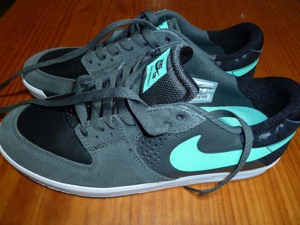 Ténis Nike novos T43