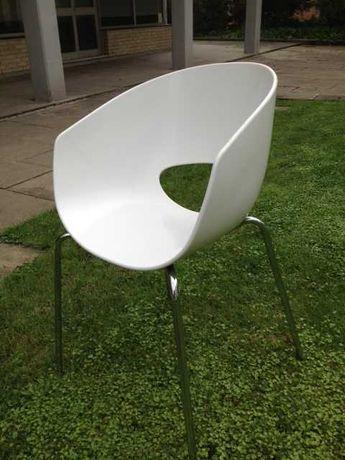 Cadeiras Vitra em fibra (8)