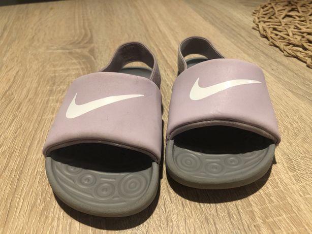 Sandałki/ klapki