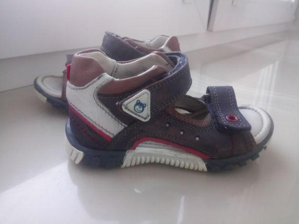 Sandałki chłopięce 21