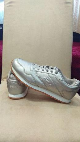 FILA р40/26см оригінал, кросівки фірмові шкіряні, кроссовки кожаные