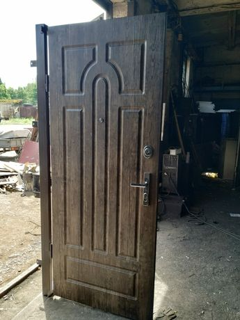 Изготовление металлических дверей и металлоконструкций