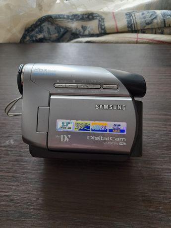 Продам видеокамеру Samsung VP - D975W