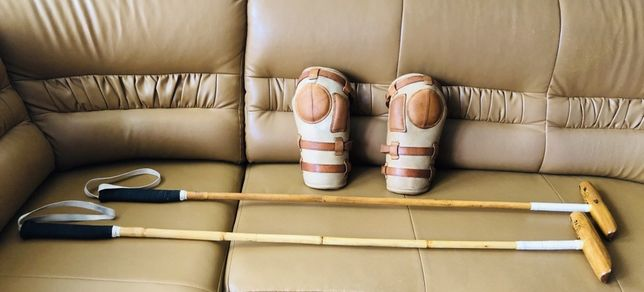Profesjonalne kije do gry w Polo + ochraniacze na kolana