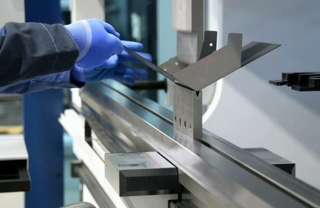 Предлагаем услуги Рубки,Гибки, Проката металла. Токарные работы.