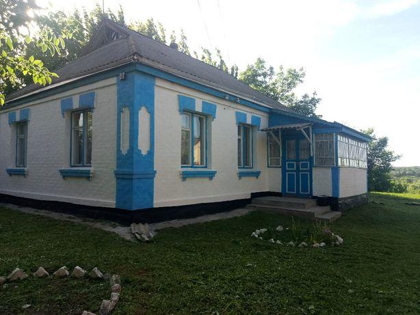 Продається будинок у селищі Вільшана, Черкаської області.