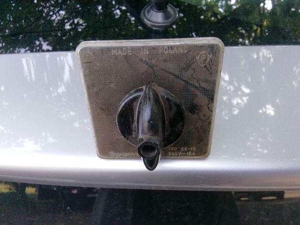 Stary przełącznik bakelitowy