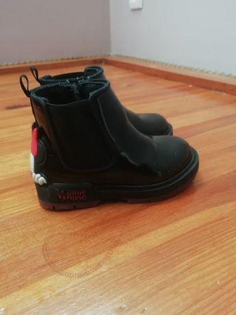 Осіннє взуття, чобітки для дівчинки