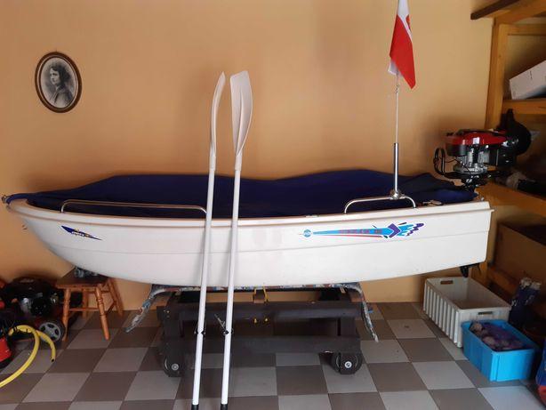 Łódka , łódź bardzo dobry stan dwa silniki