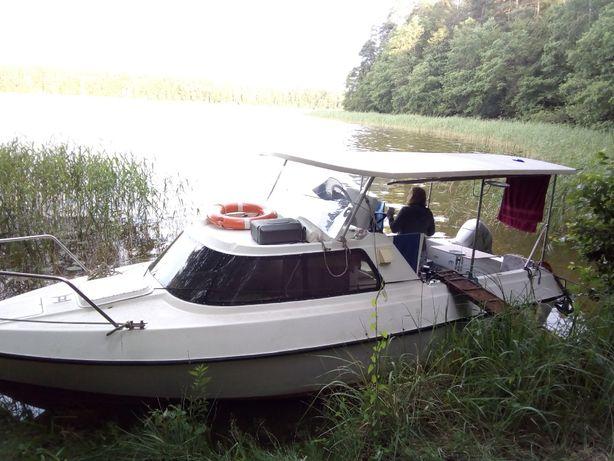 Motorówka łódź kabinowa turystyczna Dominika