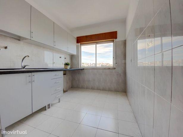 Apartamento T2 com garagem à venda em Arroja/Odivelas