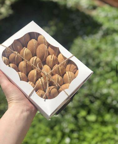 Сладости (Орешки со сгущенкой , печенье)