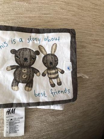 Шуршащая книжка для малышей H&M