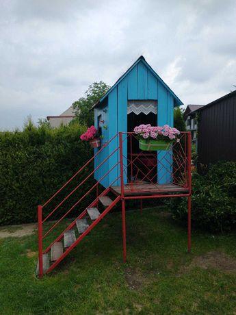 Drewniany domek dla dzieci - konstrukcja metalowa. Skawina