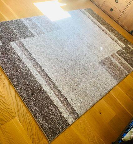 Sprzedam dywan 160x230 cm